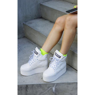 ジェイダ(GYDA)のMIRROR9 Platform sneaker 白(スニーカー)