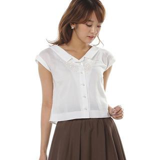 ウィルセレクション(WILLSELECTION)のマイクロキュプラ刺繍リボンシャツ(シャツ/ブラウス(半袖/袖なし))