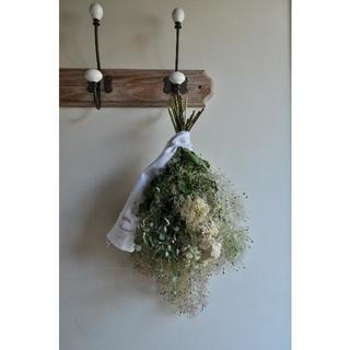 初夏に咲くスモークツリー。スモークツリーのスワッグ。ドライフラワースワッグ。○(ドライフラワー)