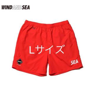 エフシーアールビー(F.C.R.B.)のF.C.R.B WIND AND SEA SHORT PANTS 赤 Lサイズ(ショートパンツ)