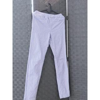 ジーユー(GU)の。.キッズGU.。白&薄紫.。ギンガムチェックパンツ.。150㌢(パンツ/スパッツ)