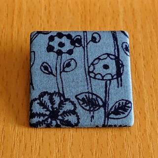 mina perhonen - ミナペルホネン ブローチ letter of flower
