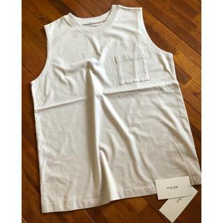 ミラオーウェン(Mila Owen)の《新品タグ付き》ミラオーウェン ポケット付ピグメントノースリーブトップス(Tシャツ(半袖/袖なし))