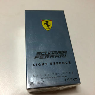 Ferrari - SCUDERIA FERRARI LIGHT ESSENCE オードトワレ 香水