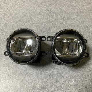 トヨタ(トヨタ)の中古美品 ヴォクシー煌き80前期 純正LEDフォグ(車種別パーツ)