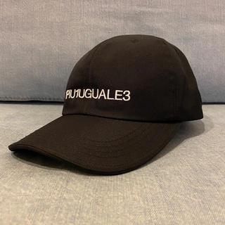 ウノピゥウノウグァーレトレ(1piu1uguale3)の1piu1uguale3 / 非売品 キャップ 帽子 AKM muta(キャップ)