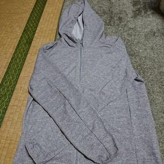 ユニクロ(UNIQLO)の男児用パーカー140(ジャケット/上着)