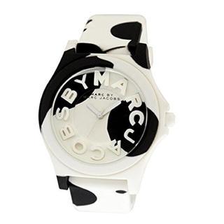 マークバイマークジェイコブス(MARC BY MARC JACOBS)の牛柄マーク腕時計(腕時計)