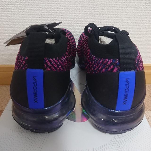 NIKE(ナイキ)の23.5cm 新品 women NIKE vapormax flyknit 3 レディースの靴/シューズ(スニーカー)の商品写真