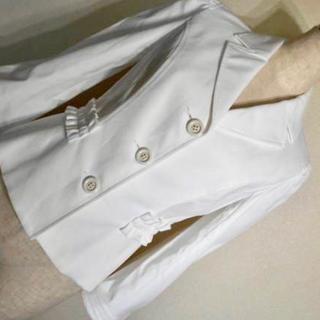 エポカ(EPOCA)の美品❣️エポカ★白★ストレッチコットン★フリル&リボン★ジャケット 38(テーラードジャケット)