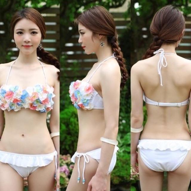 Sweet Passion(スウィートパッション)の新品☆フラワーお花3D水着3☆ブルー水色 レディースの水着/浴衣(水着)の商品写真