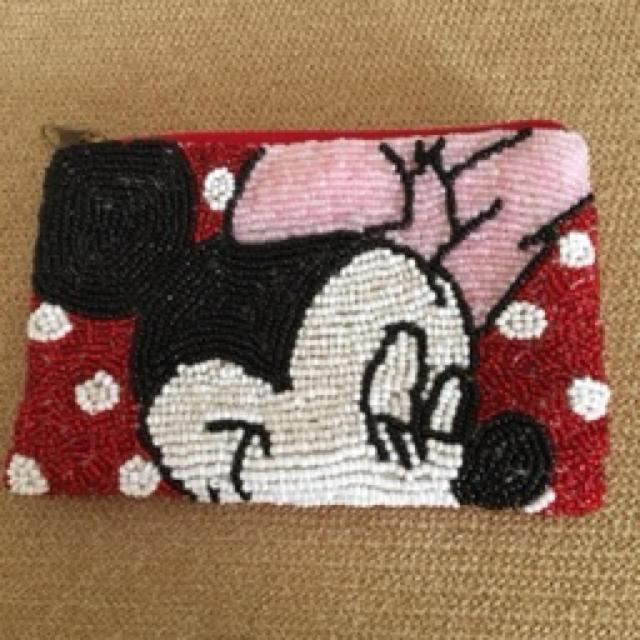 Disney(ディズニー)の【可愛い❤️】★ディズニー ミニーマウス ポーチ ビーズ 小銭入 コインケース レディースのファッション小物(ポーチ)の商品写真