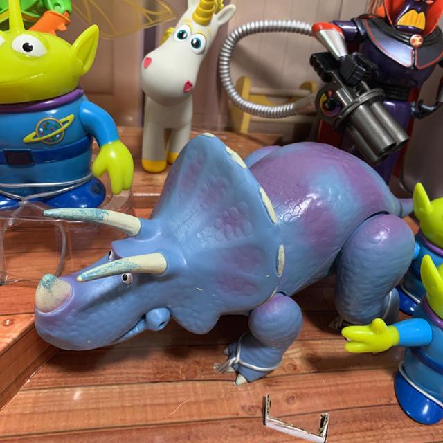 Disney(ディズニー)のトイストーリー 10インチ 組立 トリクシー フィギュア エンタメ/ホビーのおもちゃ/ぬいぐるみ(キャラクターグッズ)の商品写真