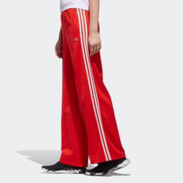 adidas(アディダス)のadidas トラックパンツ ジャージ MOUSSYコラボ 【新品】 レディースのパンツ(カジュアルパンツ)の商品写真