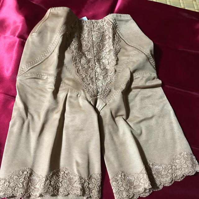 シャルレ(シャルレ)のシャルレのセミロングガードル64サイズ レディースの下着/アンダーウェア(ショーツ)の商品写真