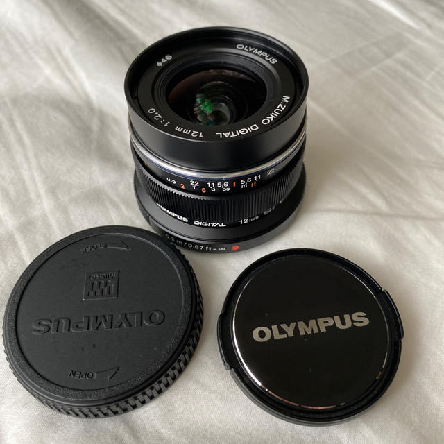 OLYMPUS(オリンパス)のOLYMPUS M.ZUIKO DIGITAL ED 12mm F2.0  スマホ/家電/カメラのカメラ(レンズ(単焦点))の商品写真