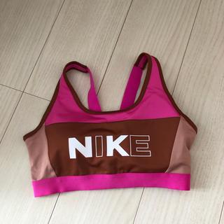 ナイキ(NIKE)の【Mサイズ】NIKE クラシック ミディアムサポート スポーツブラ ピンク(トレーニング用品)
