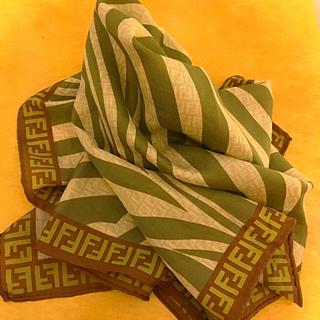 FENDI - 美品 フェンディ   ハンカチ スカーフ 58センチ    シルク混