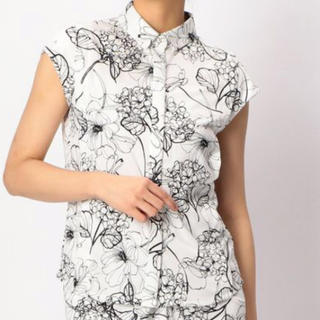 ナラカミーチェ(NARACAMICIE)のナラカミーチェ naracamicie 花柄の半袖シャツ(シャツ/ブラウス(半袖/袖なし))