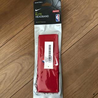 シュプリーム(Supreme)のsupreme Nike ヘッドバンド 赤 新品未使用(ヘアバンド)