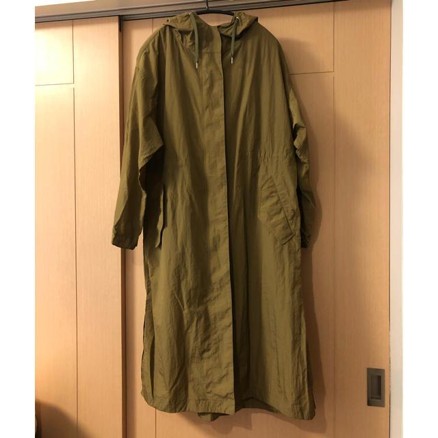 JOURNAL STANDARD(ジャーナルスタンダード)のジャーナルスタンダード★ライトナイロン フードロングコート(カーキ)36 レディースのジャケット/アウター(ロングコート)の商品写真