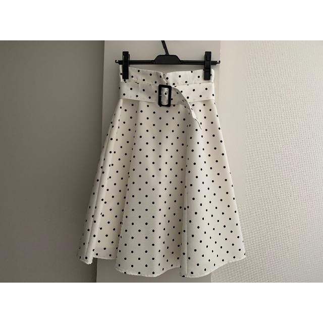 Apuweiser-riche(アプワイザーリッシェ)の[5月末まで値下げ]アプワイザーリッシェ フレアスカート ドット レディースのスカート(ひざ丈スカート)の商品写真