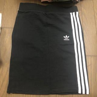アディダス(adidas)のadidasスカート(ミニスカート)