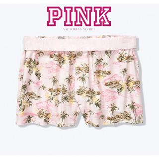 Victoria's Secret - 【新品】ヴィクトリアズシークレット ショートパンツ Sサイズ パームツリー