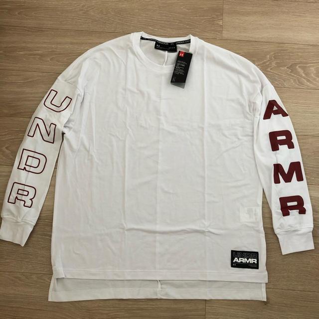 UNDER ARMOUR(アンダーアーマー)のUAモーメント ロングスリーブ Tシャツ メンズのトップス(Tシャツ/カットソー(七分/長袖))の商品写真