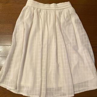 ミスティウーマン(mysty woman)の白シフォンスカート(ひざ丈スカート)