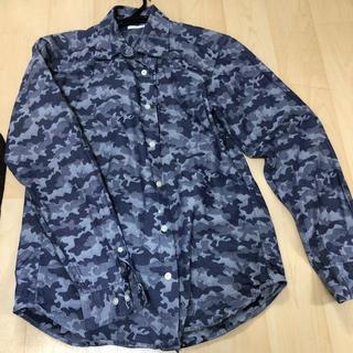 ジーユー(GU)のGU 迷彩柄 襟シャツ(Tシャツ/カットソー(七分/長袖))