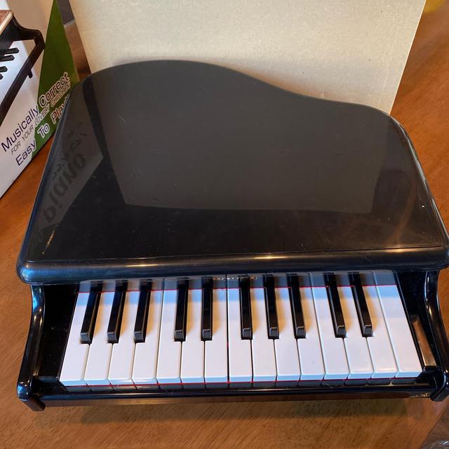 KAWAI ミニ グランドピアノ キッズ/ベビー/マタニティのおもちゃ(楽器のおもちゃ)の商品写真