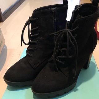ブラック サイドジッパー ブーツ