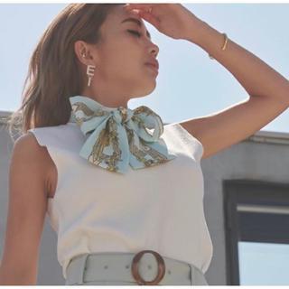 エイミーイストワール(eimy istoire)のスカーフデザインノースリニットプルオーバー(カットソー(半袖/袖なし))
