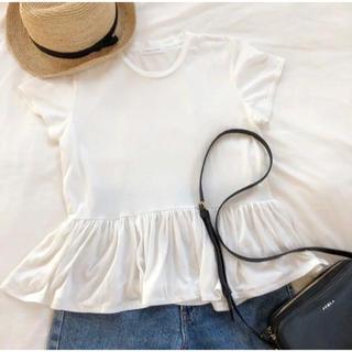 LOWRYS FARM - 《LOWRYS FARM》ホワイトTシャツ ペプラムTシャツ