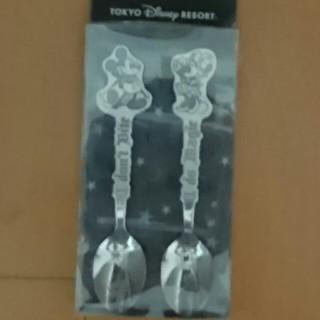 ディズニー(Disney)のミッキーミニースプーンセット新品(スプーン/フォーク)