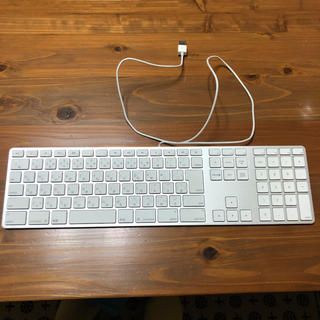 マック(Mac (Apple))のAPPLE KEYBOARD  (テンキーツキ - JIS) アップルキーボード(PC周辺機器)