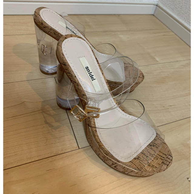 snidel(スナイデル)のsnidelクリアサンダル レディースの靴/シューズ(サンダル)の商品写真