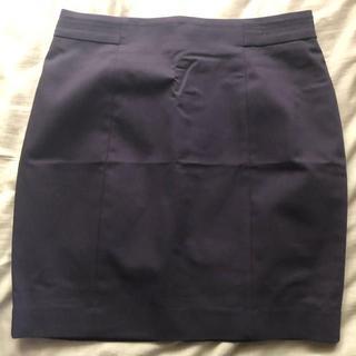 エイチアンドエム(H&M)のタイトスカート スリット 黒 ブラック(スーツ)