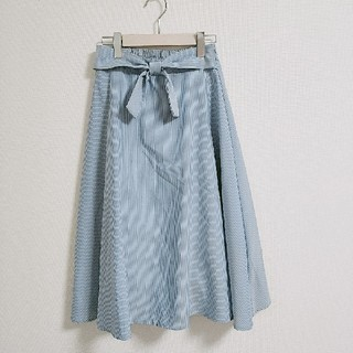 シマムラ(しまむら)のしまむら ストライプリボンミモレ丈スカート M(ひざ丈スカート)