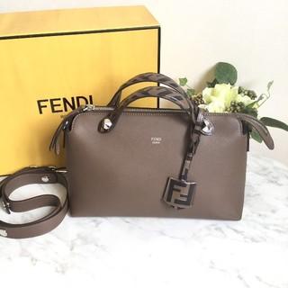 FENDI - 現行品 FENDI バイザウェイ ミディアム ショルダーバッグ ブラウン