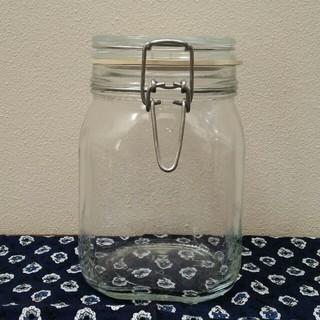 ムジルシリョウヒン(MUJI (無印良品))の【送料込み】ソーダガラス保存瓶 1L 3つセット(容器)