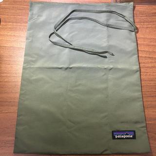 パタゴニア(patagonia)のパタゴニア 巾着 オリーブ色(ポーチ)