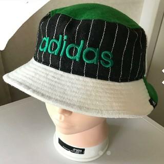 アディダス(adidas)のアディダス バケットハット グリーン メンズ 60センチ(ハット)