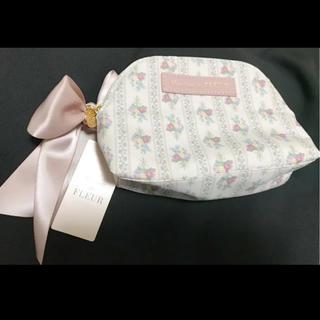 メゾンドフルール(Maison de FLEUR)の小物入れ 化粧ポーチ ストライプ ブーケ プリント 薔薇 花柄 ピンク(ポーチ)