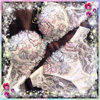 エメフィール(aimer feel)のラメ入り薔薇セット★エメフィール ラヴィジュール リエンダ アンフィ 系 B75(ブラ&ショーツセット)