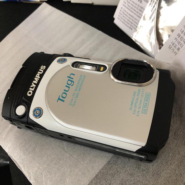 OLYMPUS(オリンパス)の保証期間内 OLYMPUS オリンパス TG TG-870 WHITE スマホ/家電/カメラのカメラ(コンパクトデジタルカメラ)の商品写真