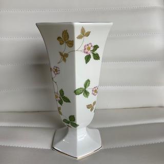 ウェッジウッド(WEDGWOOD)のえみりん様専用 ウエッジウッド ワイルドストロベリー 花瓶(花瓶)
