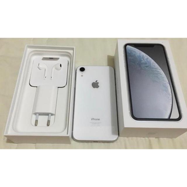 Apple(アップル)のiphone XR 128gp ホワイト simフリー スマホ/家電/カメラのスマートフォン/携帯電話(スマートフォン本体)の商品写真