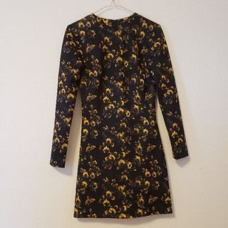 ZARA - ZARA WOMAN ワンピース 袖あり 黒 黄色花柄  M